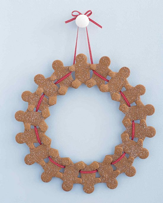 Gingerbread Man Wreath | 25+ More Beautiful Christmas Wreaths