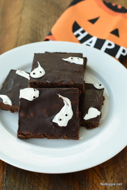 sheet pan ghost brownies | NoBiggie.net