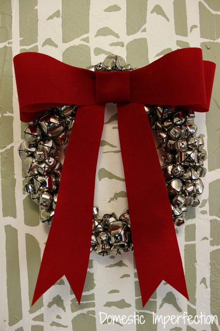 Jingle Bell Wreath | 25+ MORE Beautiful Christmas Wreaths