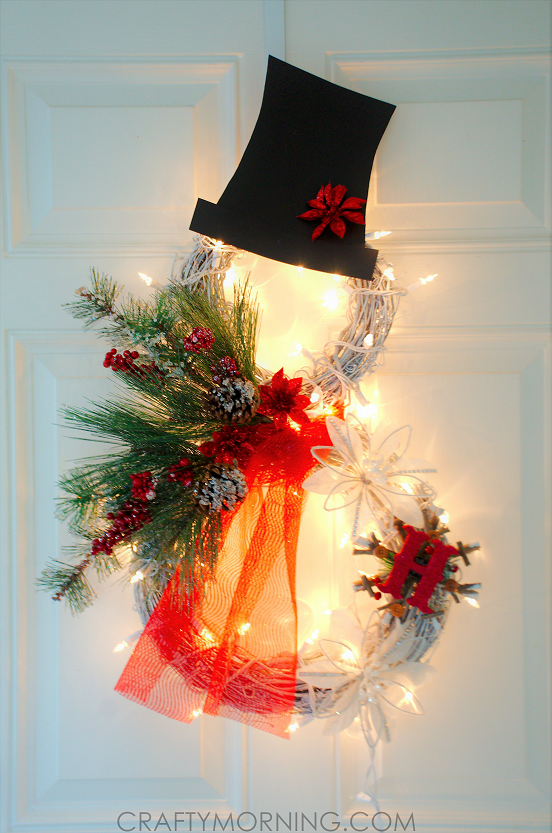 Lighted Snowman Grapevine Wreath | 25+ MORE Beautiful Christmas Wreaths