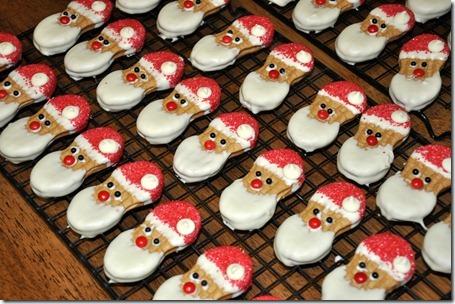 Nutter Butter Santa | 25+ Creative Nutter Butter Cookies