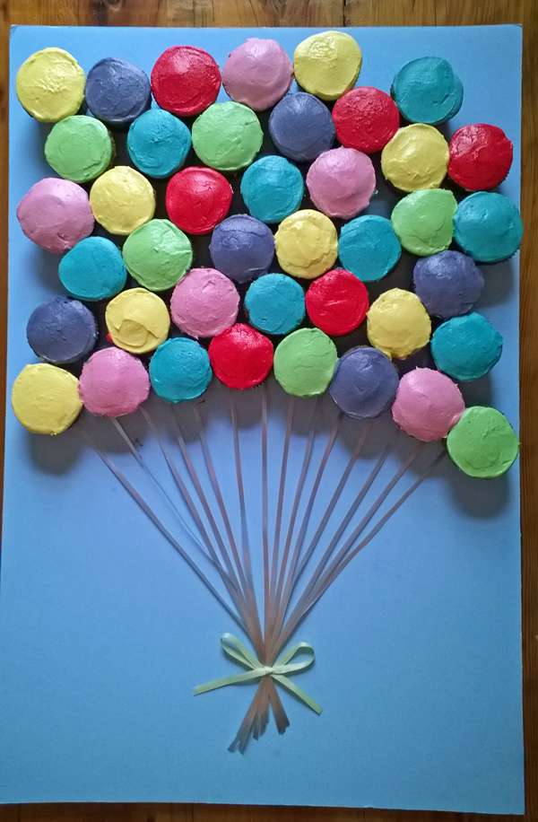 Balloon Cupcake Cake | 25+ Cupcake Birthday Cake Ideas