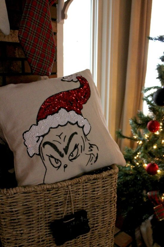 Grinch Pillow | 25+ MORE Grinch Crafts and Cute Treat