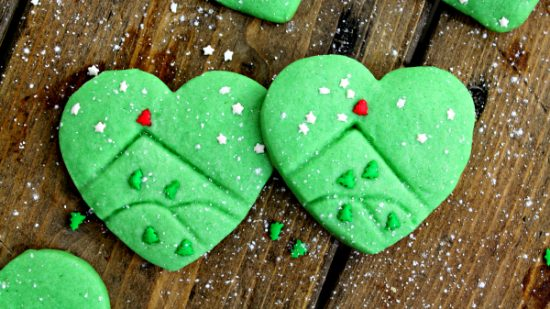 Grinch Sugar Cookies | 25+ MORE Grinch Crafts and Cute Treats