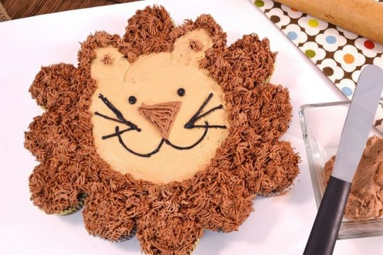 Leon the Lion Cupcake Cake |25+ Cupcake Birthday Cake Ideas
