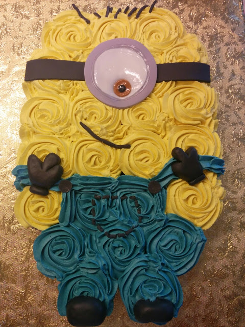 Minion Cupcake Cake | 25+ Cupcake Birthday Cake Ideas