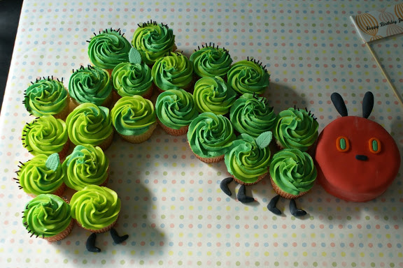 The Very Hungry Caterpillar Cupcake Cake | 25+ Cupcake Birthday cake Ideas
