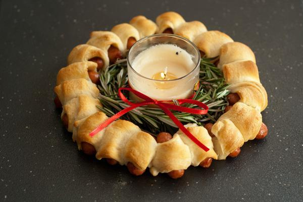Pigs in a Blanket Ring | 25+ Food Party Ring Ideas