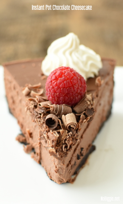 Instant Pot Chocolate Cheesecake | NoBiggie.net | 25+ Sweet Instant Pot Recipes