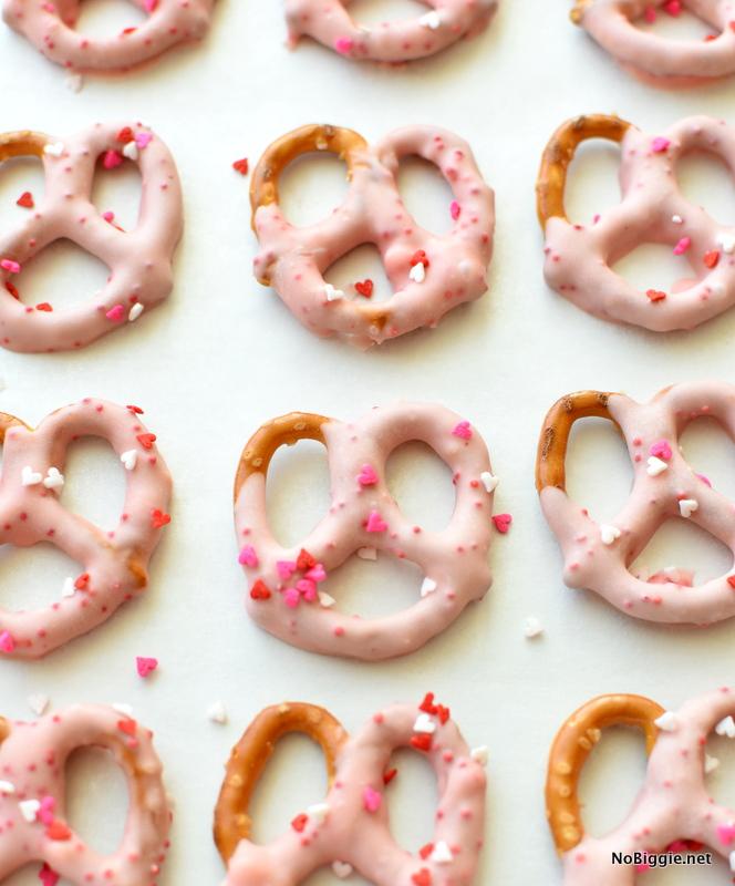 Valentine Pretzels dipped + sprinkles | NoBiggie.net