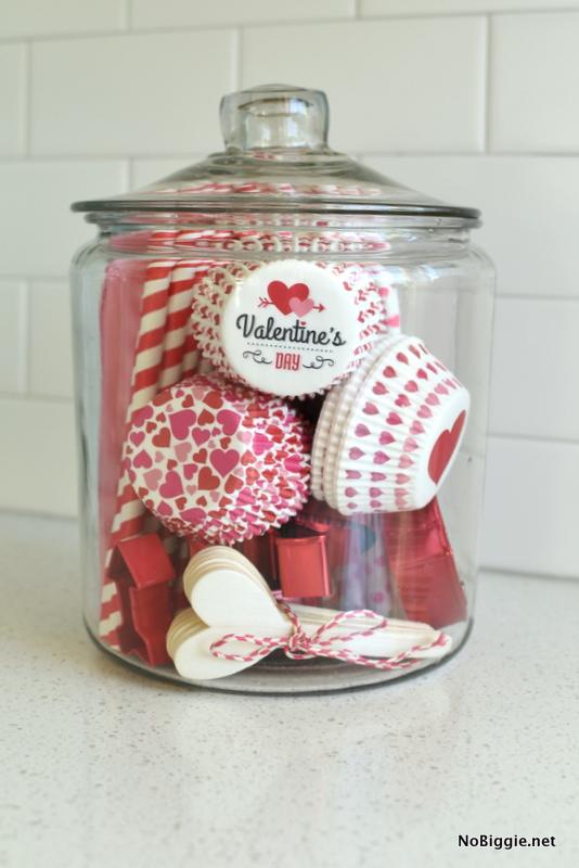 Valentine bake jar | NoBiggie.net