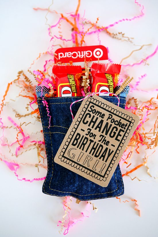Denim Pocket Gift Wrap | 25+ Creative Gift Wrap Ideas