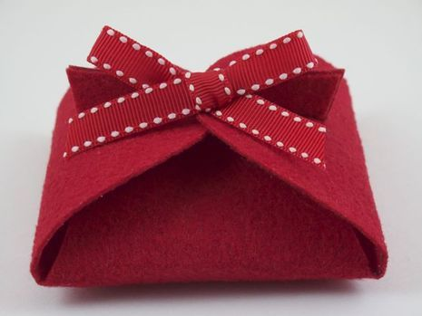 felt gift box 25 creative gift wrap ideas