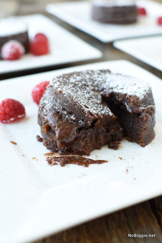 Instant Pot Chocolate Lava Cakes | NoBiggie.net