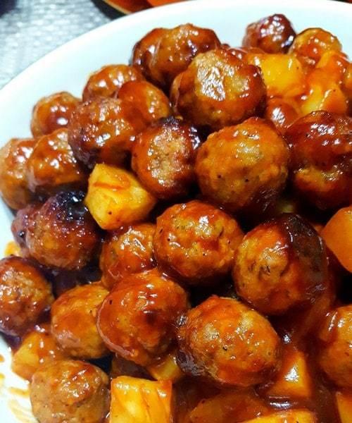 Slow Cooker Pineapple BBQ Meatballs | 25+ Hawaiian Party Foods
