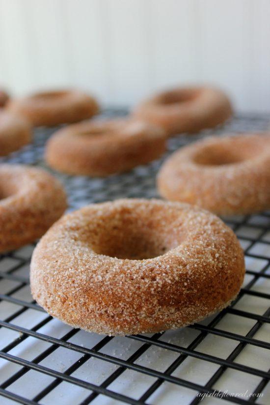 Baked Apple Cider Domut | 25+ Donut Recipes