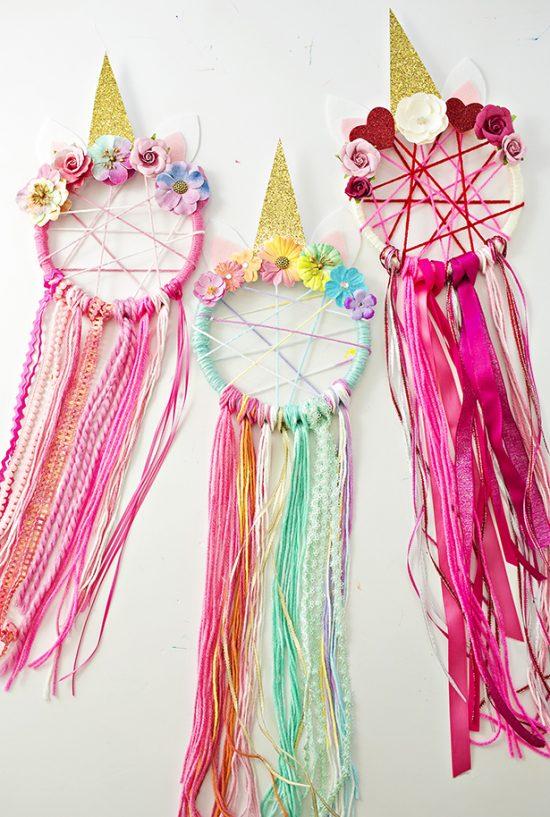 DIY Unicorn Dreamcatchers | 25+ Unicorn Party Ideas