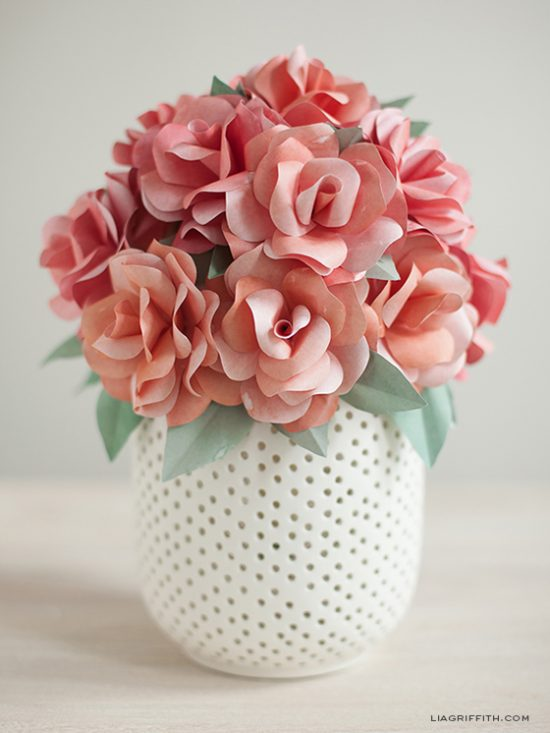 Paper Rose Bouquet | 25+ MORE Paper Flowers