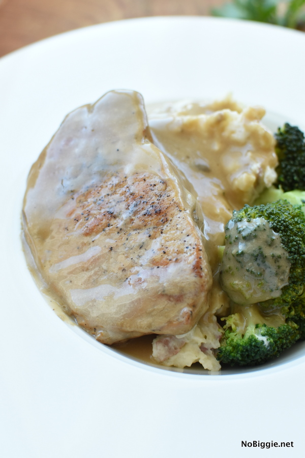 slow cooker pork chops with gravy