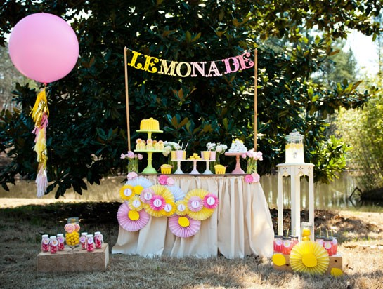 Lemonade Dessert Table | 25+ Lemonade Stand Ideas