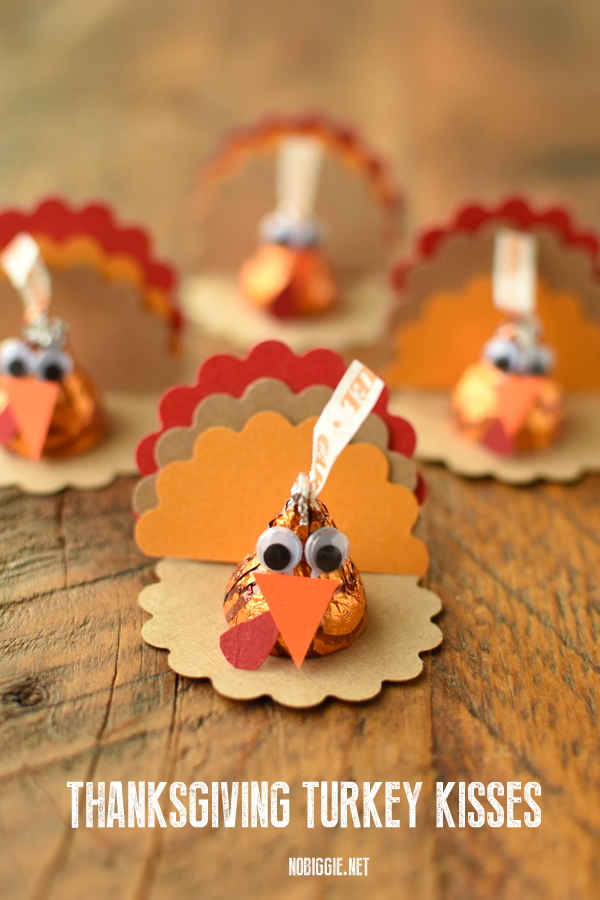 Make cute little paper craft Thanksgiving Turkey Kisses this Thanksgiving. These make a fun craft for kids and a sweet treat to give family and friends. #paperTurkeycraft #paperThanksgivingcraft #Hersheykisses #Thanksgivingkidcraft #ThanksgivingCraft