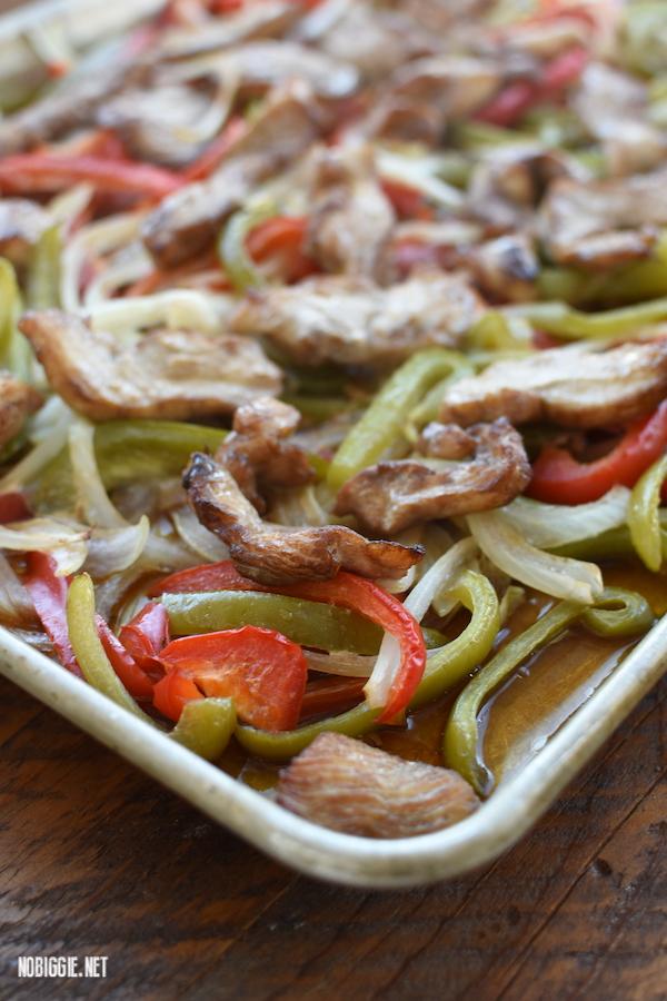 sheet pan chicken fajitas   NoBiggie.net