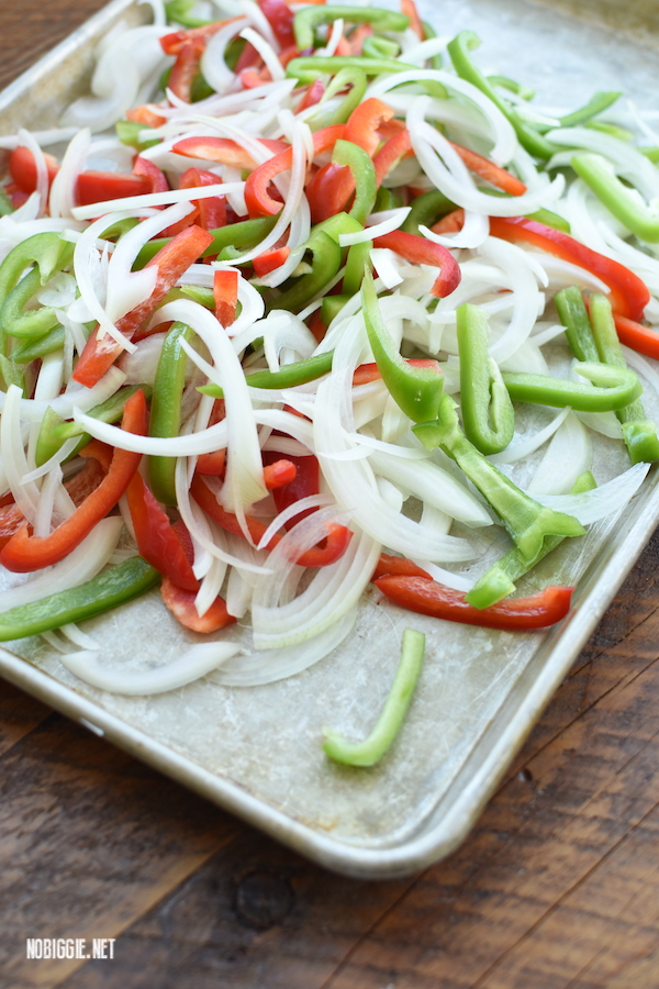 sheet pan fajitas | NoBiggie.net