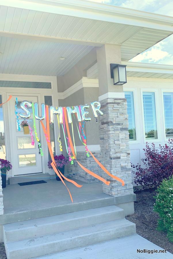 Summer Balloon Banner