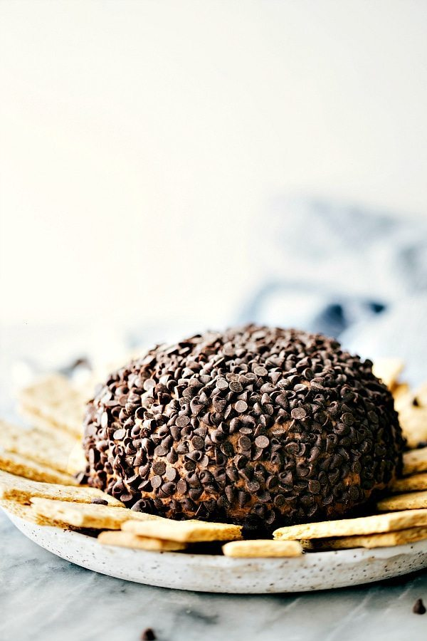 Brownie Batter Cheeseball | 25+ Desserts to feed a crowd