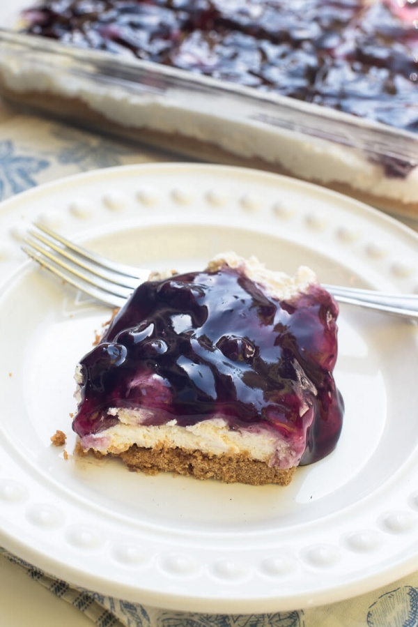Easy Blueberry Cheesecake Dessert | 25+ Desserts to feed a crowd