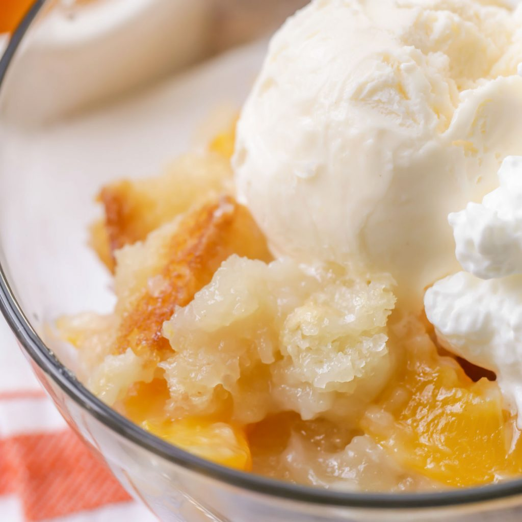 Easy Peach Cobbler | 25+ Desserts to feed a crowd