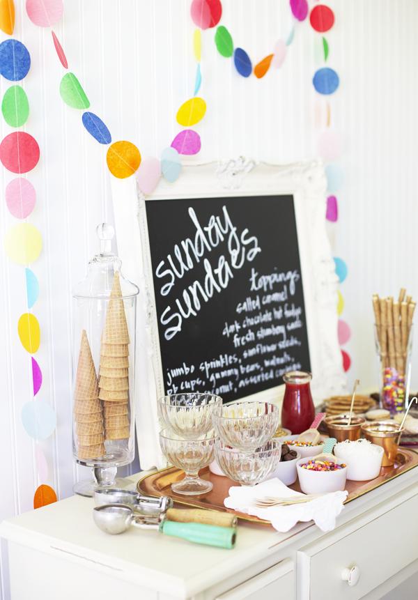 Ice Cream Sundae Bar | 25+ Desserts to feed a crowd
