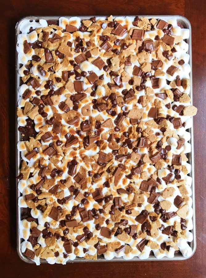 S'mores bars to feed a crowd | 25+ Desserts to feed a crowd