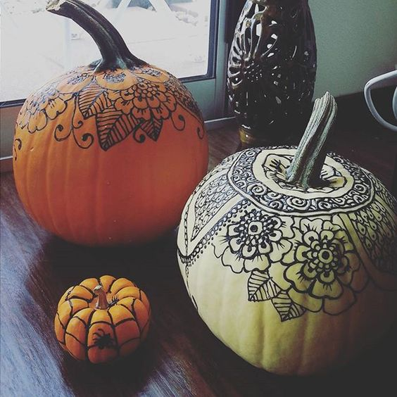 Henna Pumpkin | 25+ MORE no carve pumpkin ideas