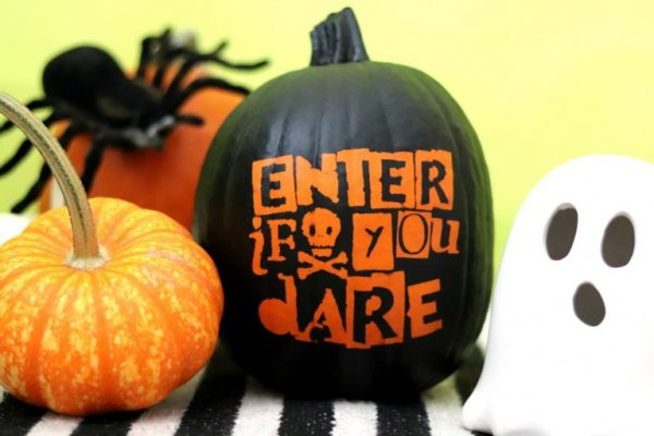 Spray Paint Pumpkin | 25+ MORE no carve pumpkin ideas
