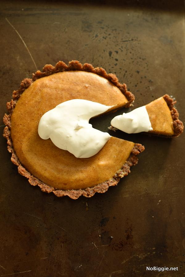 marshmallow pumpkin pie with a gingersnap crust