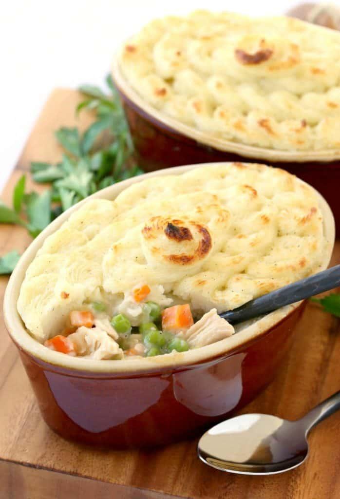 Leftover turkey shepherds pie | 25+ MORE leftover turkey recipes