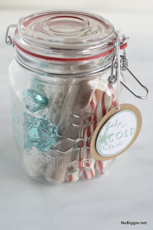Baby It's cold outside | 25+ more mason jar gift ideas