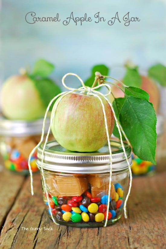 Caramel apple in a jar | 25+ more mason jar gift ideas