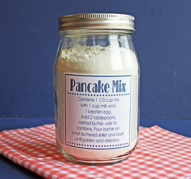 Pancake mix in a jar | 25+ more mason jar gift ideas