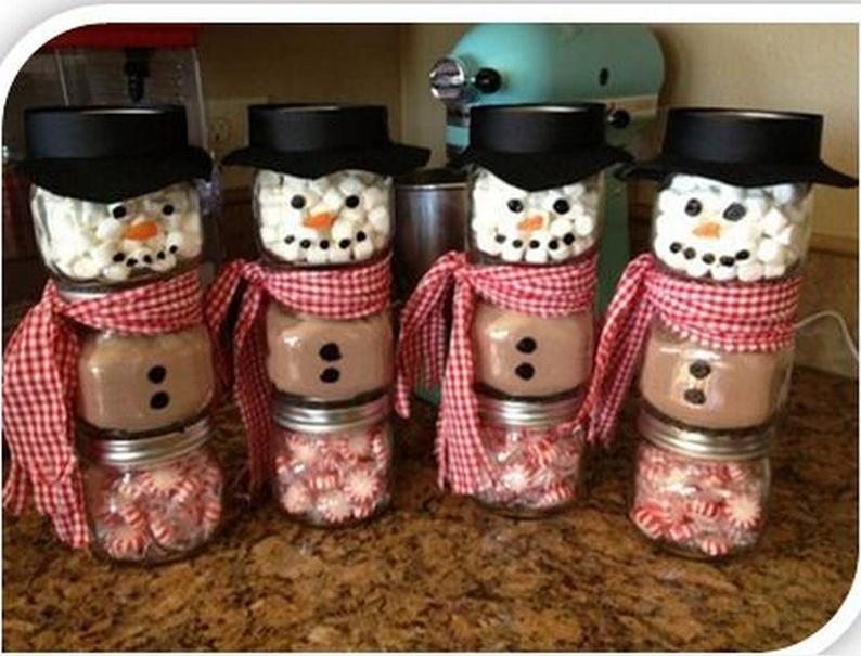Snowman Hot Chocolate Jars | 25+ more mason jar gift ideas