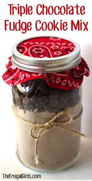 Triple chocolate fudge cookie mix | 25+ more mason jar gift ideas