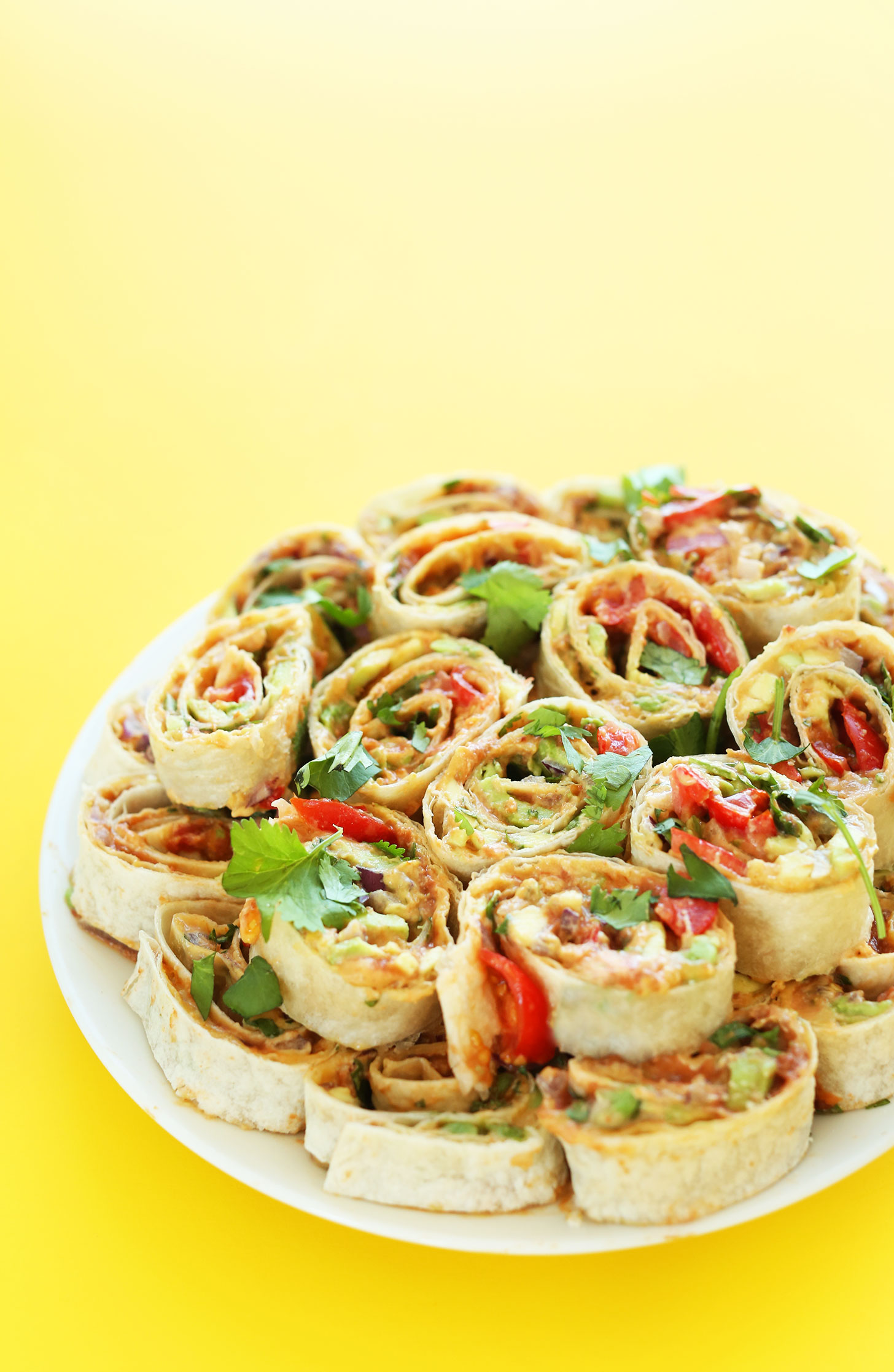 6 layer mexican pinwheels | 25+ MORE Easy No Cook Appetizers