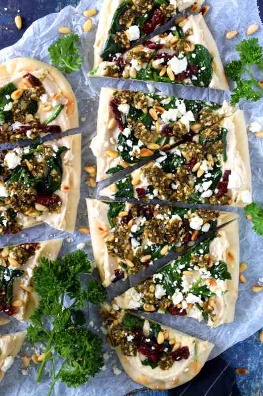Hummus and pesto flatbread | 25+ MORE Easy No Cook Appetizers