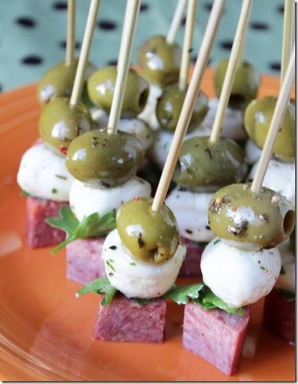 Olive appetizer skewer | 25+ MORE Easy No Cook Appetizers