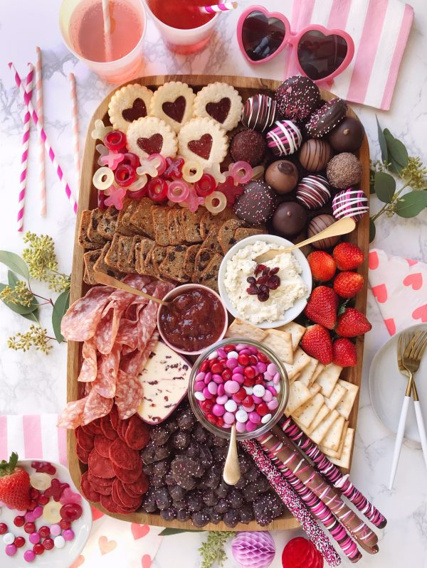 Valentine's Day Grazing Board | 25+ Valentine's Day Charcuterie Boards