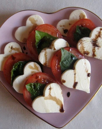 Heart Caprese Salad | 25+ MORE Heart Shaped Food
