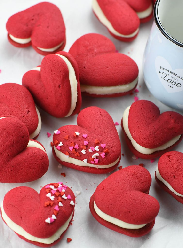 Valentines Whoopie Pies | 25+ MORE Heart Shaped Food