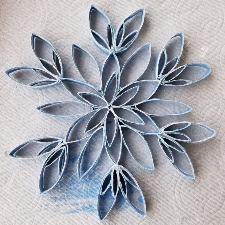 Paper Roll Snowflakes | Toilet Paper Roll Crafts