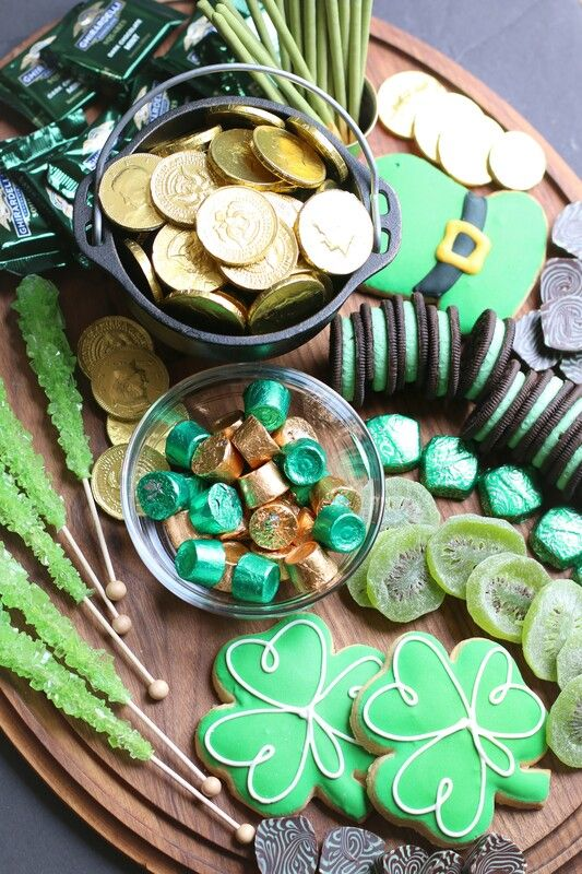St Patrick's Day Sweets and Treats Board | St. Patrick's Day Charcuterie Boards